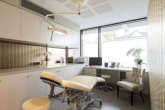 The Skin Institute - Cosmetic Surgery Center